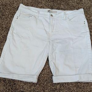 Women's Bermuda shorts